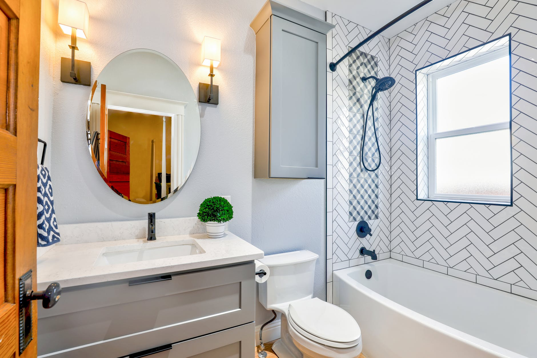 Bathroom Paint Tips for Stunning Look